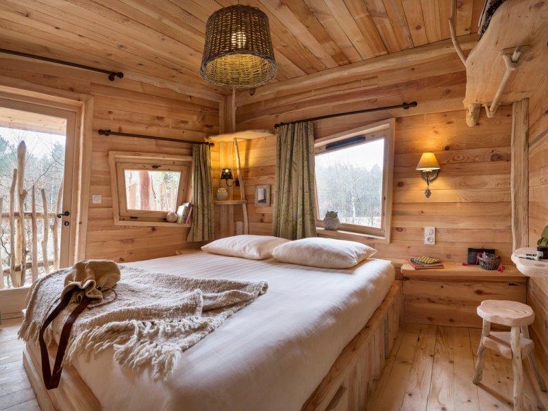 Center Parcs vous propose un séjour au cœur d'une cabane dans les arbres